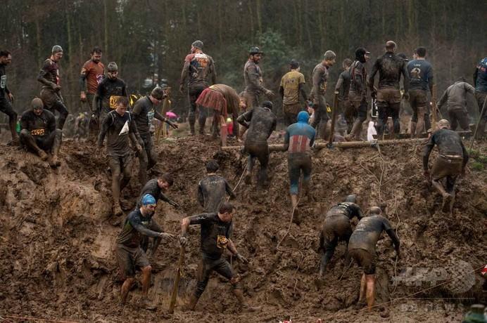 【AFP記者コラム】自らをいじめ抜きたい「タフガイ」レース