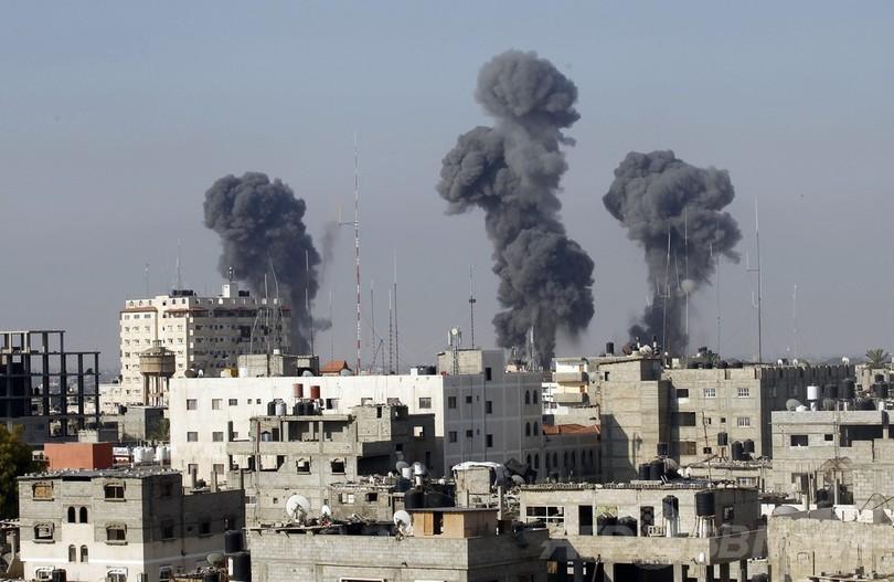エジプト、ガザ検問所を開放 パレスチナ人負傷者のため