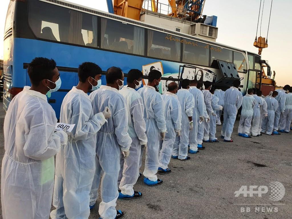 移民救助船がイタリアに入港 コロナ後初