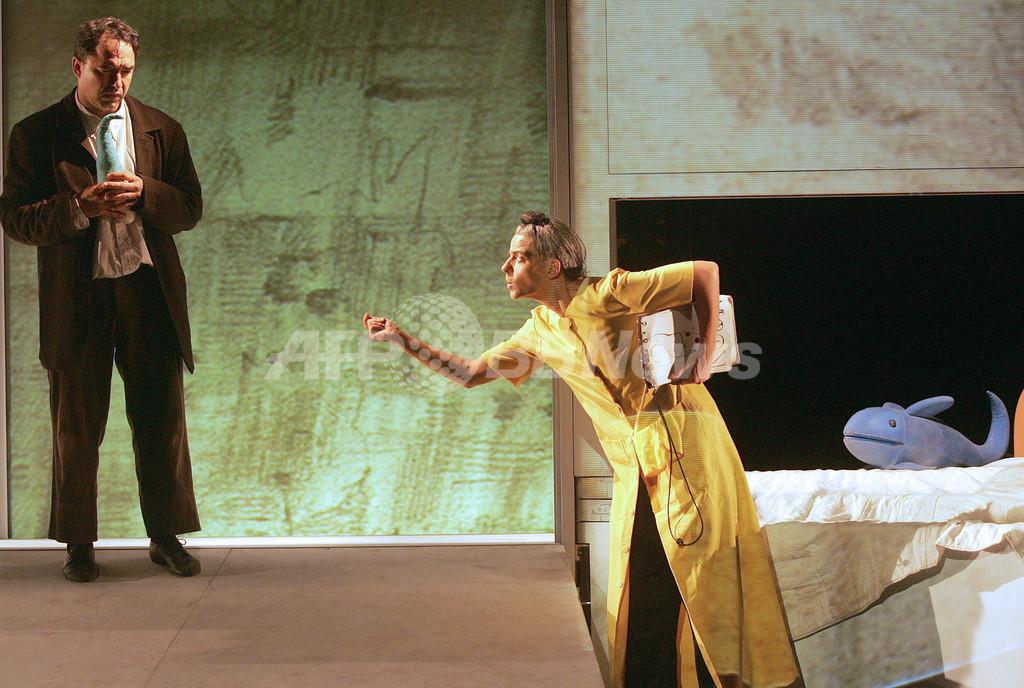路上もパペットの舞台、世界人形劇フェスティバル フランス