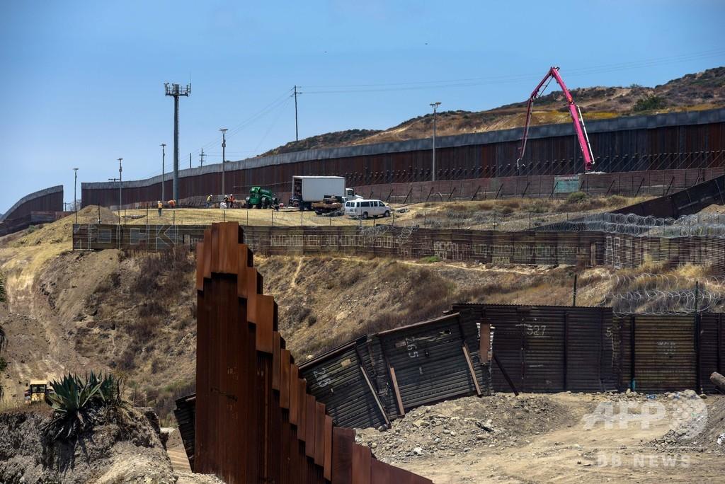 米国防総省、メキシコ国境の壁建設に3800億円の予算転用  長官が正式承認