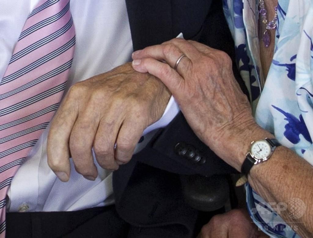 高齢者の性交渉、女性に恩恵 男性には健康リスク 研究
