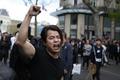 仏パリで中国人ら6000人デモ、警官の中国人男性射殺に抗議続く