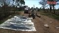 動画:元IS拠点に埋められた人骨多数、捜索・発掘活動 シリア東部