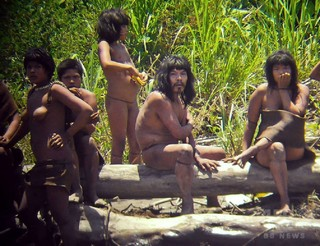 アマゾンの孤立先住民、部族同士の衝突で死傷者 ペルー