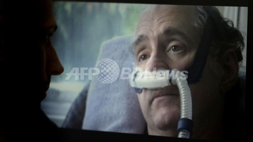 英TVが「安楽死」の一部始終を放映、「死を選ぶ権利」に議論沸騰