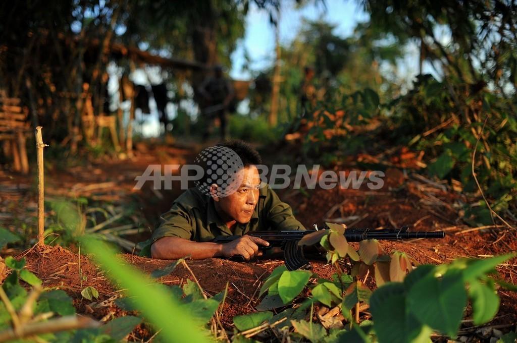 ミャンマー軍がカチン武装勢力に空爆、国際社会が批判