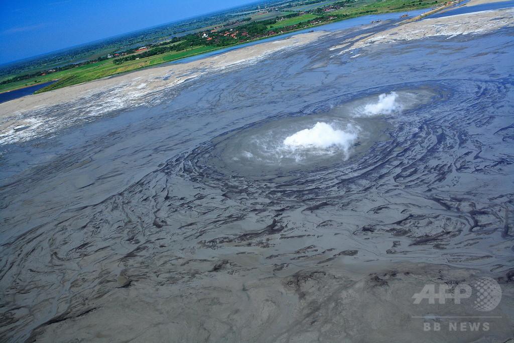 ジャワ島「泥火山」の噴出、地震でなく掘削が原因か 論文
