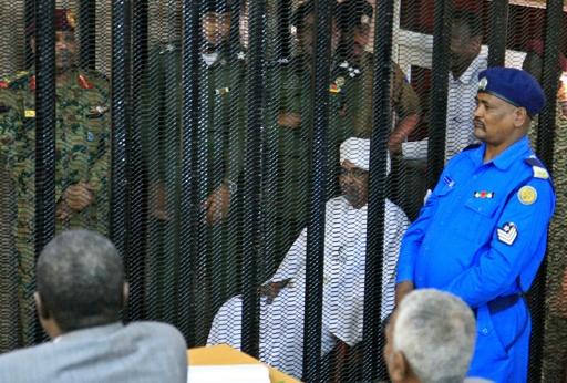 サウジ王族から96億円受領…スーダン前大統領の収賄罪初公判