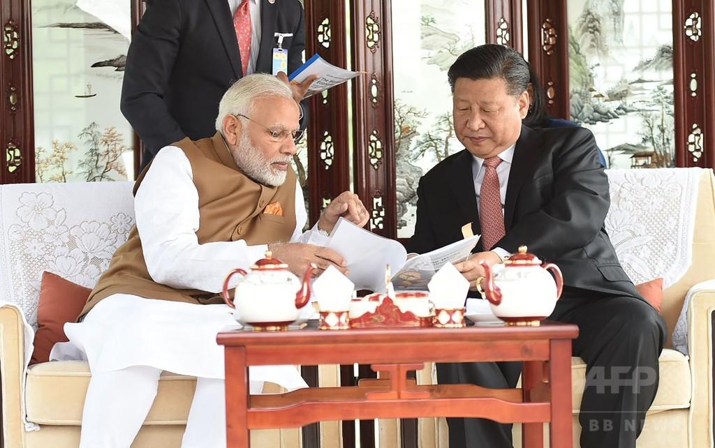 中印首脳、国境めぐる緊張緩和で一致