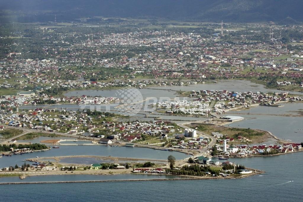 スマトラ島西岸沖でM7.3の地震、インドネシア