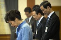 韓国船沈没、朴大統領が国民に謝罪