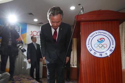 繰り返される指導者の性的暴行、韓国スポーツ界のトップが謝罪