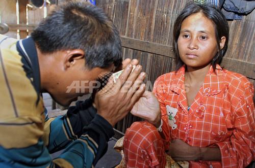 「ジャングル少女」が森へ逃走、カンボジア