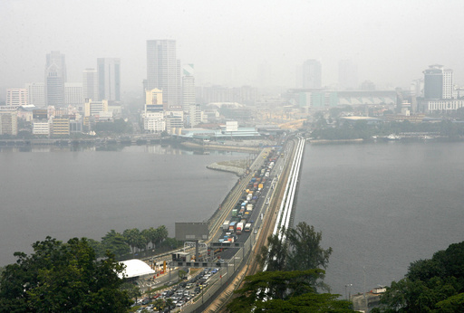 河川に有害物質投棄、2000人以上が体調不良 マレーシア