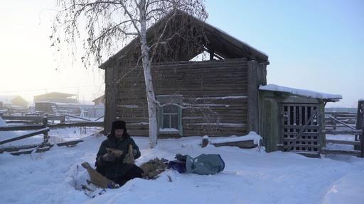 動画:永久凍土の「ゴールドラッシュ」、マンモスの牙が中国で人気 ロシア・サハ共和国
