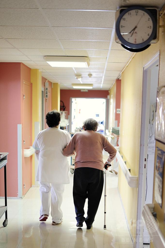 アルツハイマー病の年齢別発症リスク、個人単位で予測可能に 研究