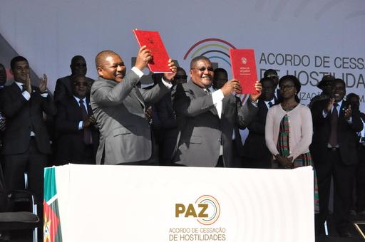 モザンビークの政府と野党、歴史的な和平協定に調印