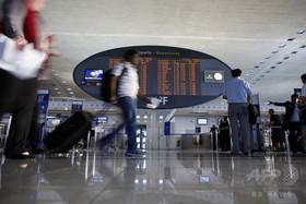 国際ニュース:AFPBB News仏シャルル・ドゴール空港に不審者、安全確認のため2000人避難