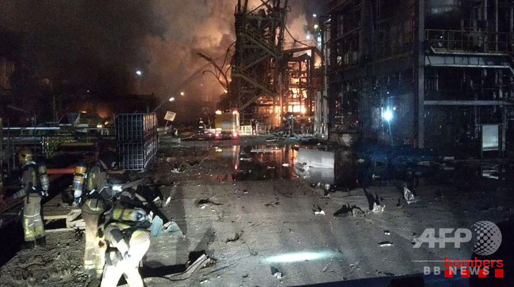 スペインの化学工場で爆発 3人死亡 写真2枚 国際ニュース:AFPBB News
