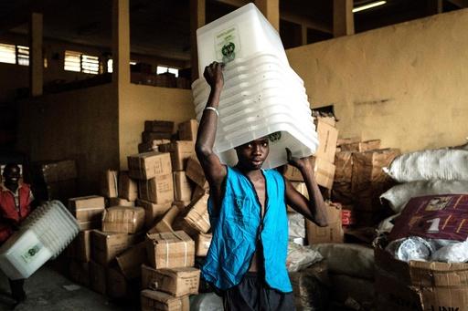 ナイジェリア、大統領選挙を1週間延期 投票開始5時間前に決定