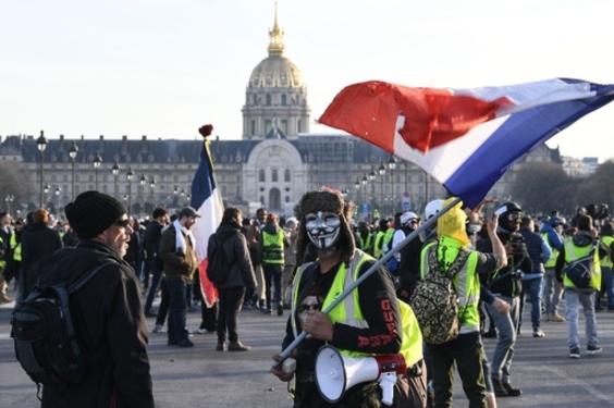 「黄ベスト」デモ14週目、仏各地で4万1500人