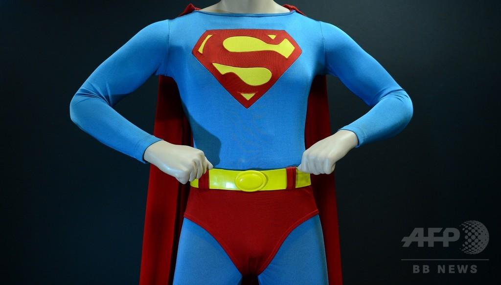 スーパーマンの新たな敵は「白人至上主義者」 移民の命守る
