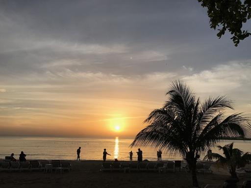 ジャマイカ沖でM7.7 津波の恐れ