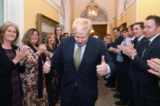 英EU離脱の軟着陸に筋道、保守党大勝でジョンソン氏にゆとり