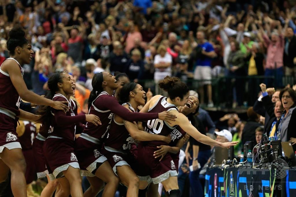 米大学女子バスケ最長の連勝記録が111で止まる、NCAAトーナメント