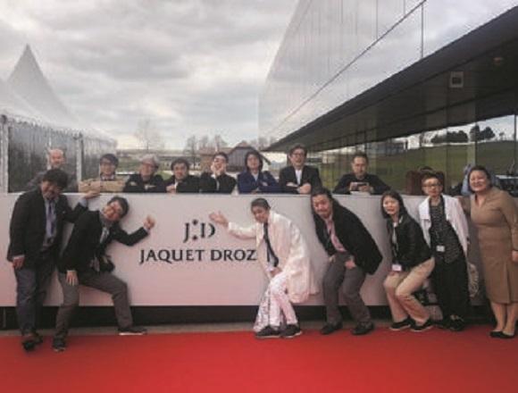 独自の職人芸に一段と磨きがかかる。 # JAQUET DROZ / ジャケ・ドロー