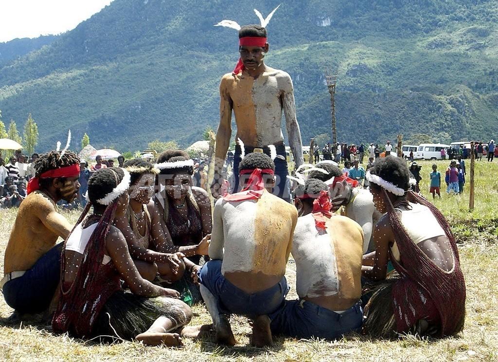 携帯電話の着信音きっかけに部族衝突、インドネシア