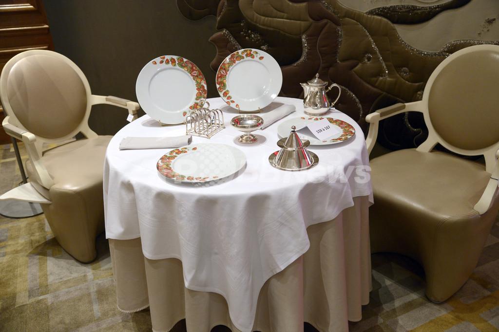 レストランで案内される席、決め手は「客の外見」?仏紙