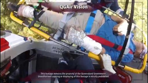 動画:豪男性、滝転落で脚骨折…2日間はって助け求める 救出時の映像