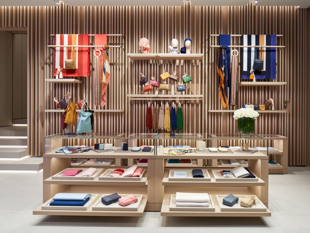 「ロロ・ピアーナ」が銀座に新たに旗艦店をオープン!