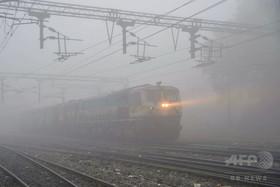 土地収用の補償は「客車20両の特急列車と駅長室」 インド