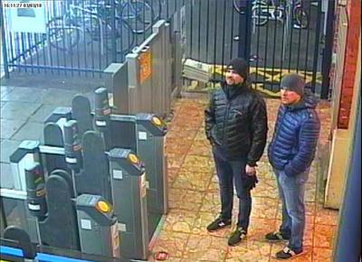 スパイ襲撃犯と英が名指しのロシア人2人、TVで「観光」主張