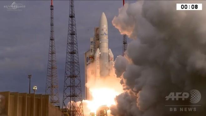 動画:「アリアン5」打ち上げ、通信衛星を2基搭載 仏領ギアナ