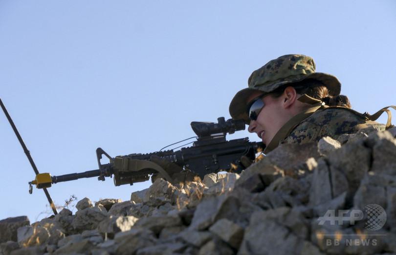 米海兵隊に初の女性将校 過酷な訓練課程を修了