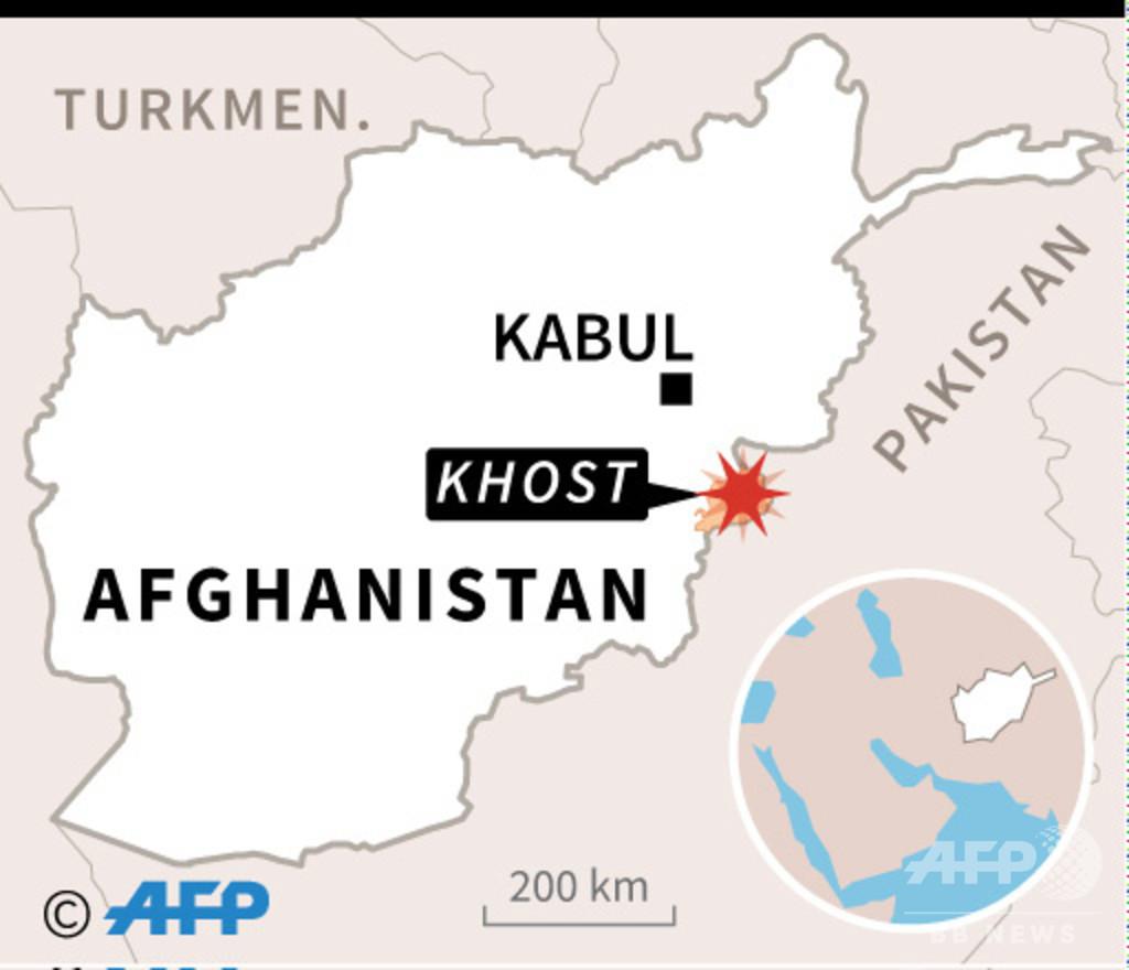 アフガニスタンのモスクで自爆攻撃、兵士9人死亡