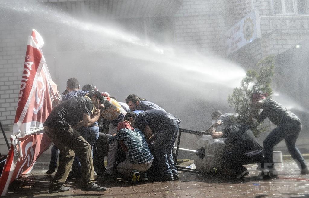 トルコ、再びクルド人武装組織を空爆 NATO理事会開催を要請
