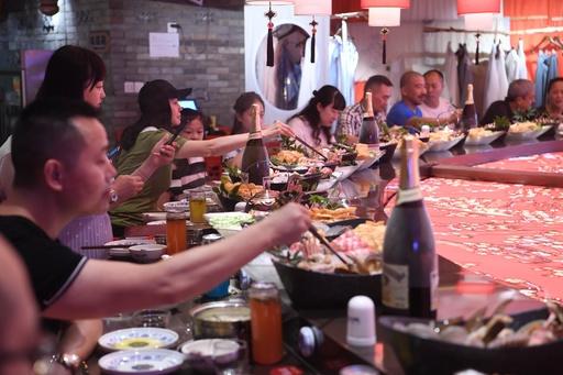 中国の飲食業総売り上げ67兆円、景気減速も9.5%増 2018年