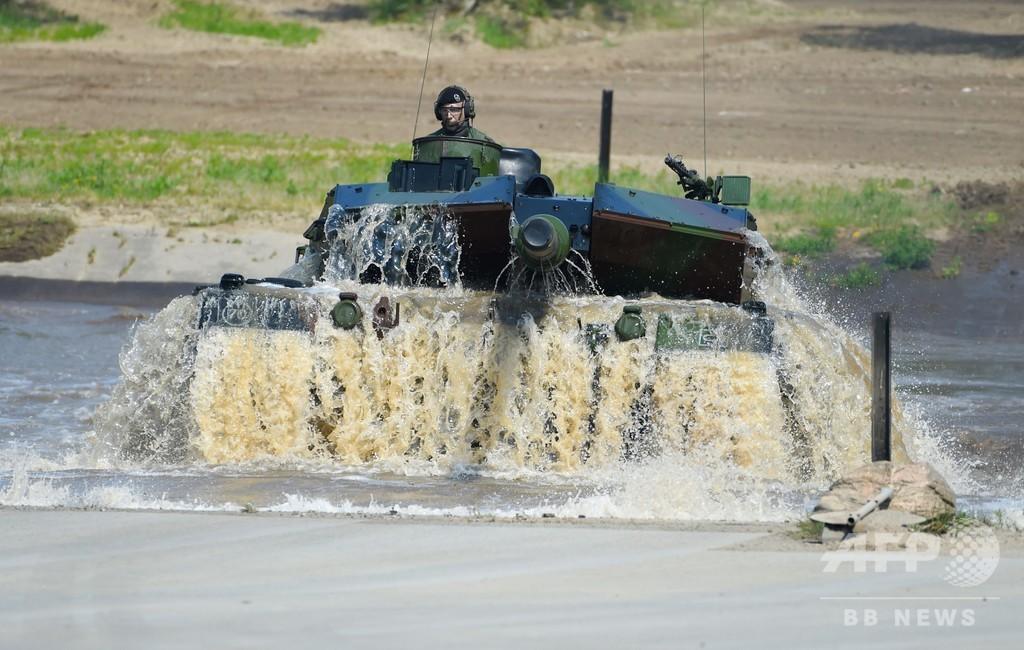 ドイツでNATO即応部隊の訓練、メルケル氏視察