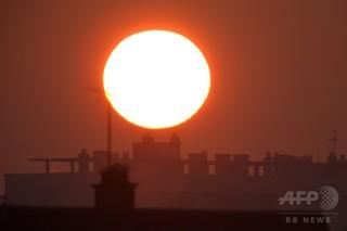 太陽光遮る温暖化対策、熱帯低気圧に影響も 研究