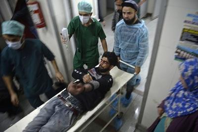 カシミールで軍と反政府派が銃撃戦、4人死亡 抗議デモでは7人が犠牲に