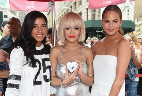 「DKNY」新香水ローンチイベント、NYで開催