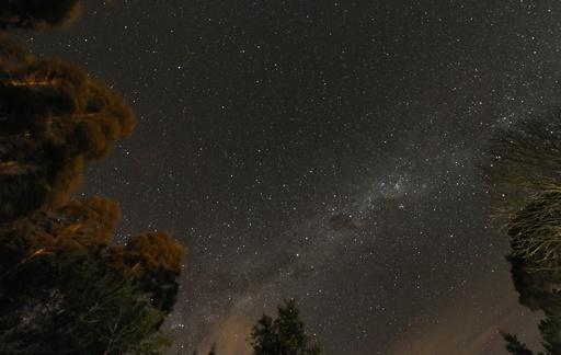 星空目当ての観光客が群がるアフリカで最も暗い土地