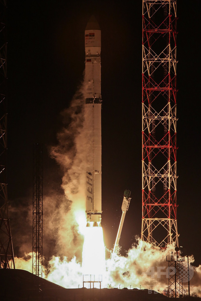 ロシアが打ち上げたアンゴラ初の衛星、交信途絶える 関係筋