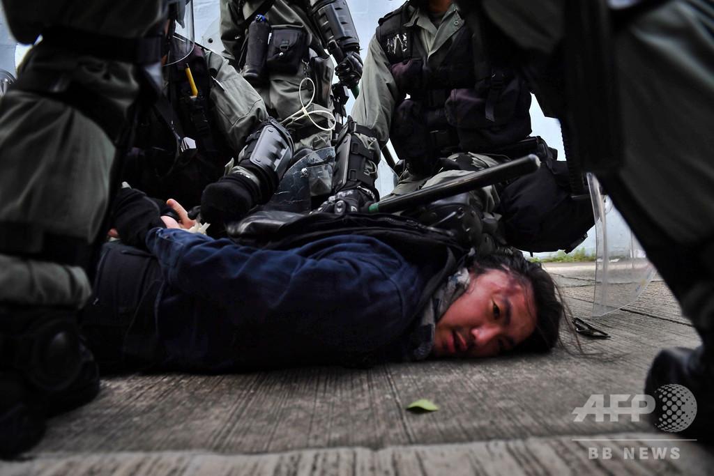 香港警察の過度な暴力を非難、「拷問に等しい」 アムネスティ報告