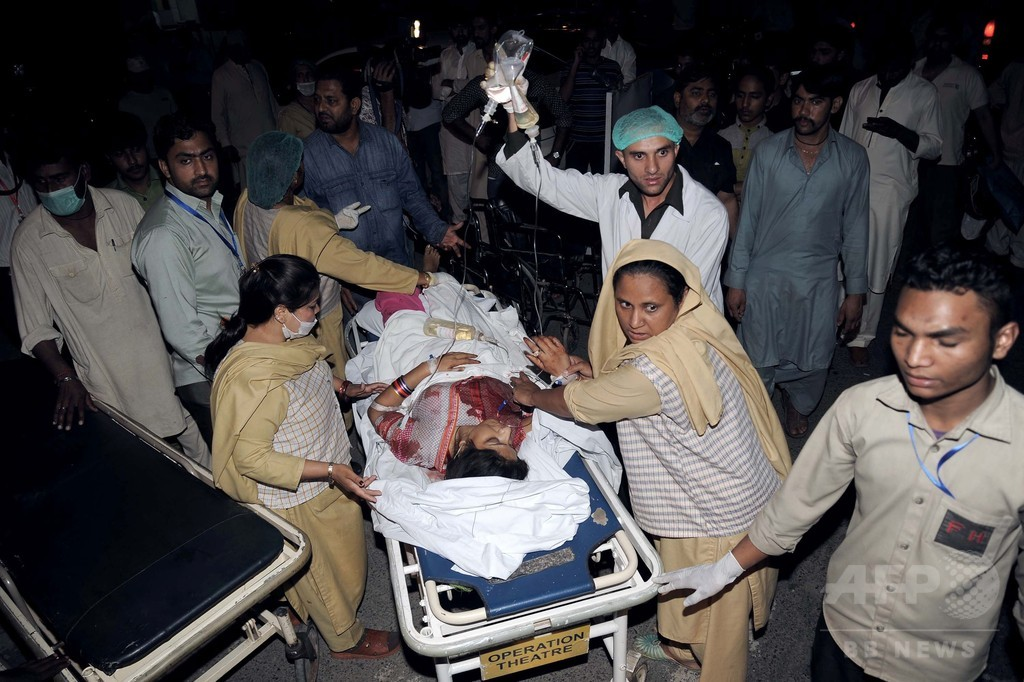 パキスタン公園で自爆攻撃、65人死亡 復活祭祝う人々犠牲に